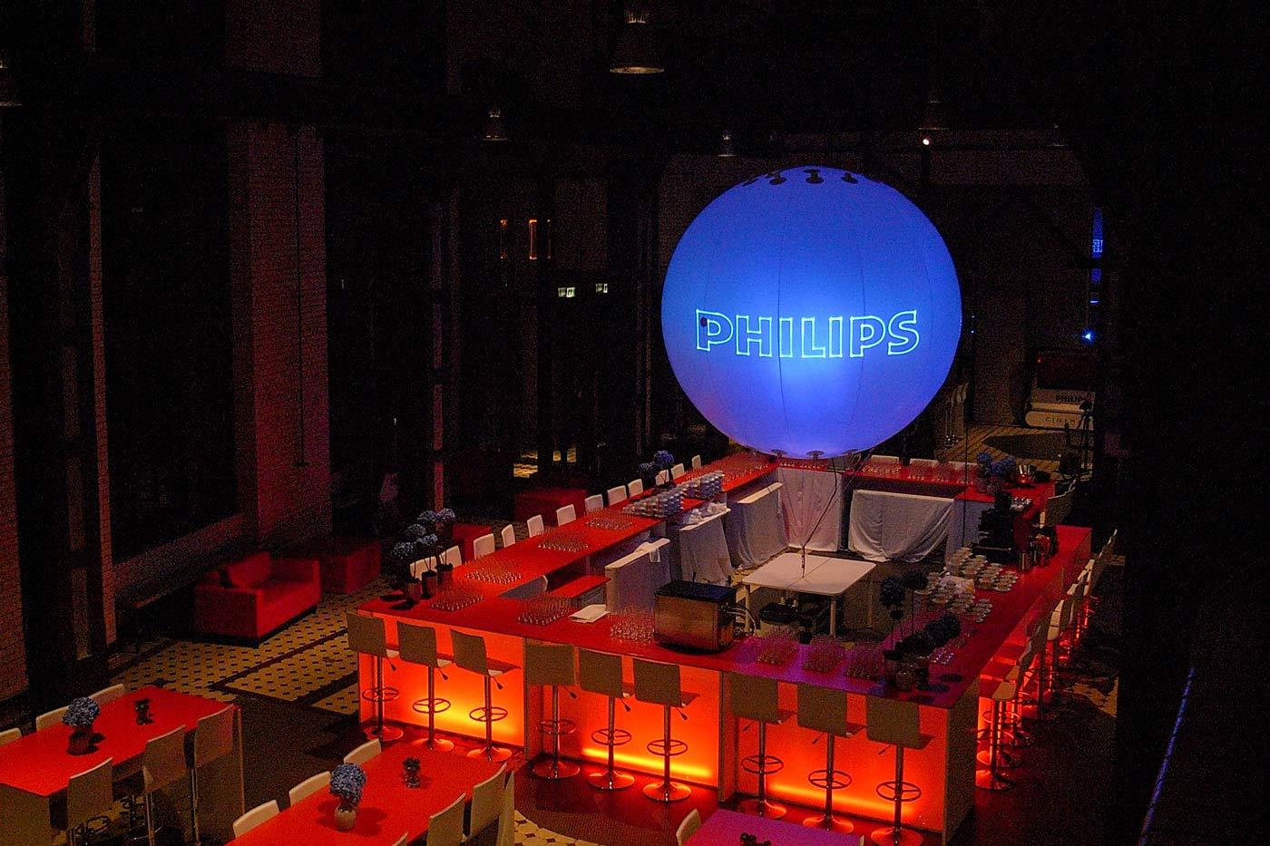 Leuchtballon 350 cm als zentraler Hotspot
