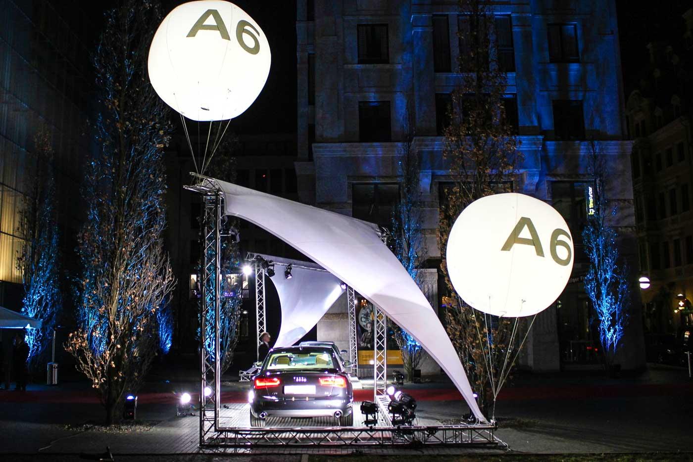 Leuchtballons mit Audi Logo Branding