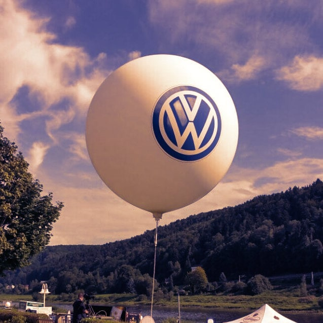 Werbeballon mit VW Logo